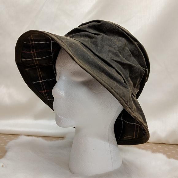 89ad18ebee9b08 Barbour Waxed Cotton Waterproof Bucket Hat. M_5afc0b8672ea88f2f781ab04